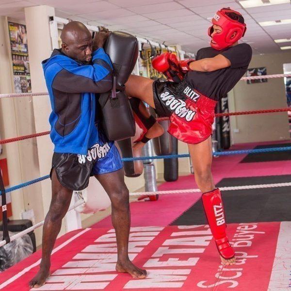 Blitz Thaiboxningsshorts Kids svart rod 3