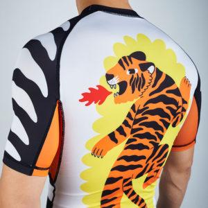Manto Rashguard Tigre 4