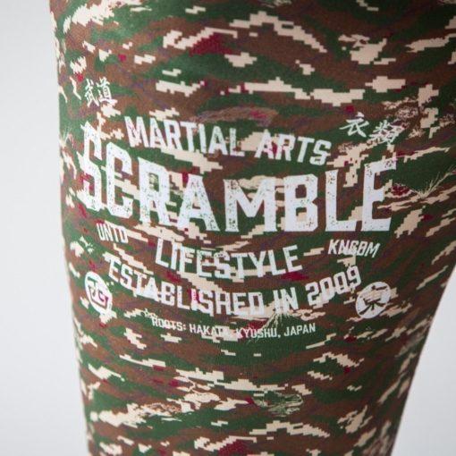 Tiger camo spats detail scramble