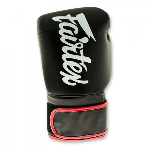 fairtex black red boxinggloves front 2